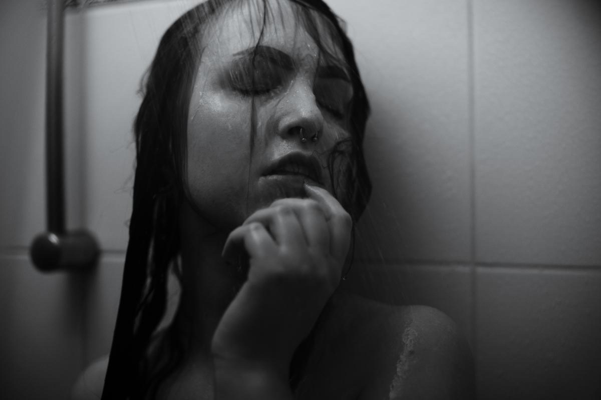 Dusche Shower Wasser Portrait