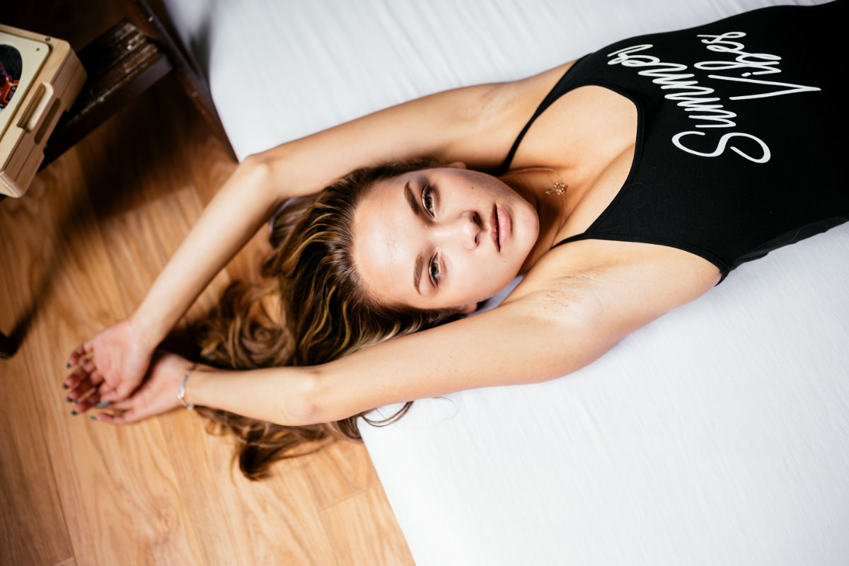 Nicole Home Shooting Body